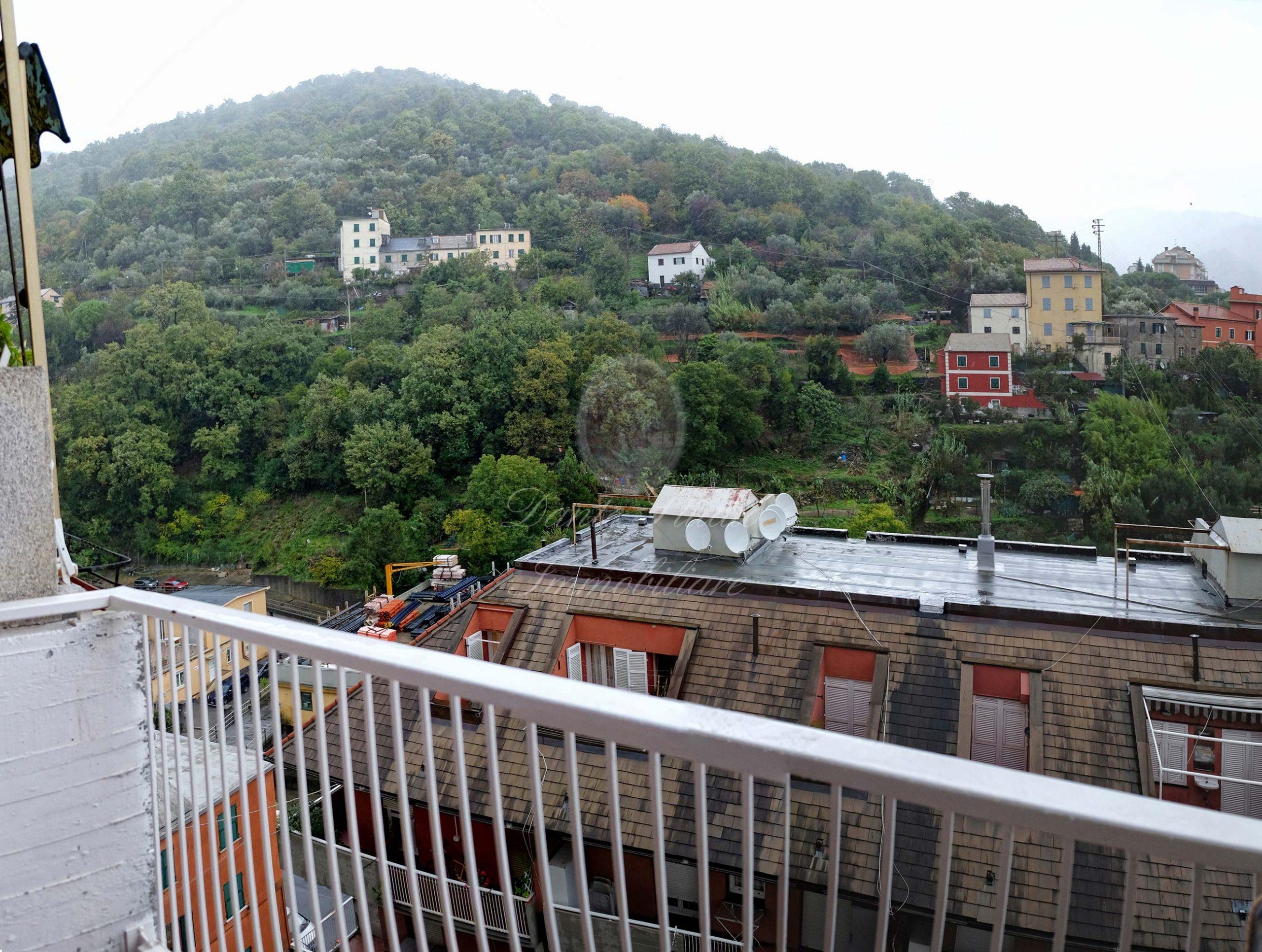 Molassana Via Trensasco 6 vani panoramici con posto auto
