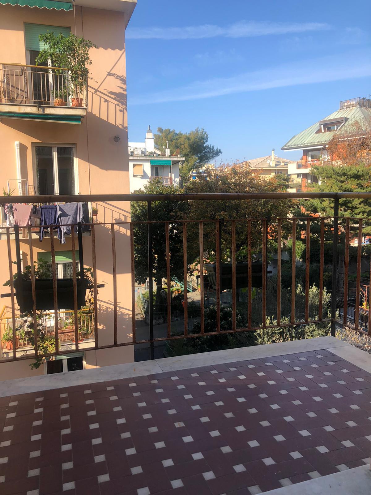 Quarto Via Fabrizi residenziali 5 vani nel verde