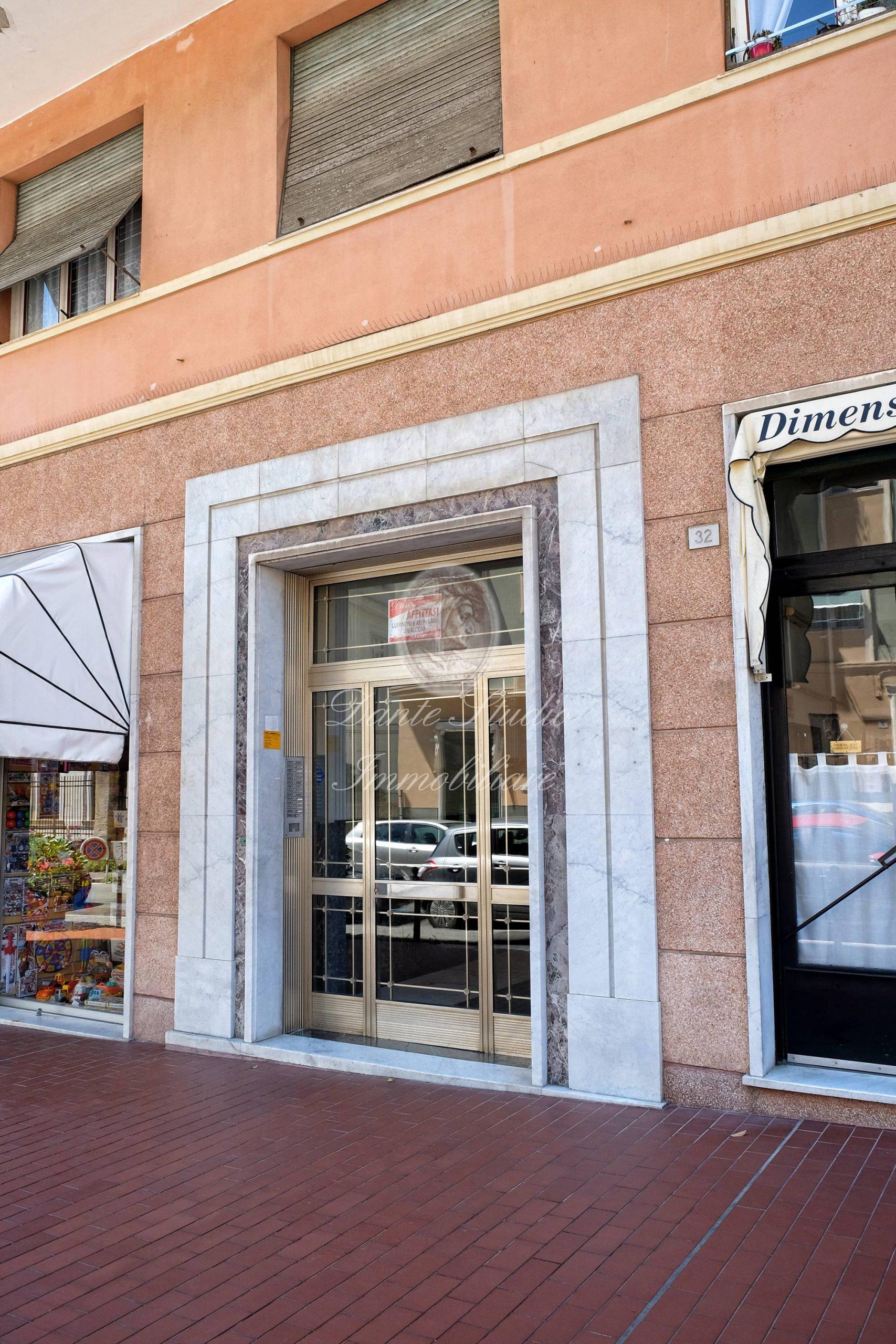 Albaro Via Cesare Battisti residenziali 95 mq panoramici